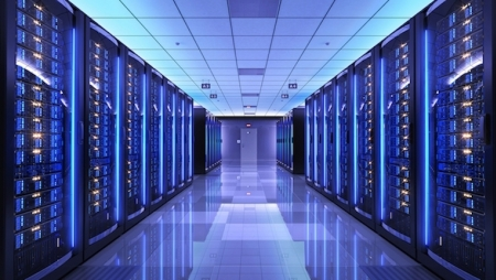 Schneider Electric lança Smart-UPS On-Line para aplicações de IoT e Edge Computing
