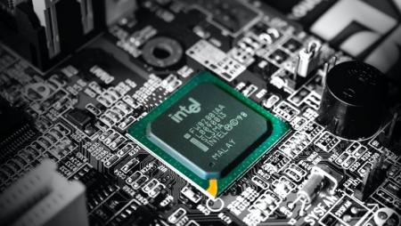 Intel quer trabalhar com parceiros para construir computadores neutros em carbono