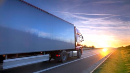 Suécia testa carregamento de veículos pesados em andamento