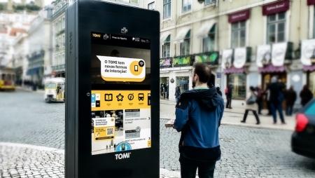 Digital signage interativa sem tocar no ecrã