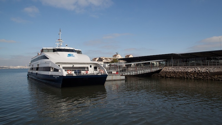 Transporte fluvial no Tejo com nova experiência digital