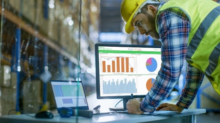 Schneider Electric lança nova versão do EcoStruxure Power Monitoring Expert