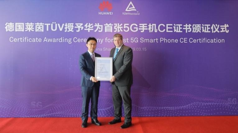 Huawei Mate X recebe o primeiro certificado CE 5G do mundo