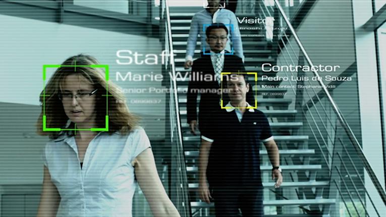 Reconhecimento facial aplicada em autenticação de passageiros em aeroporto