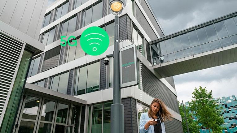 """""""Smart poles"""" levam conetividade e IoT a toda a cidade"""