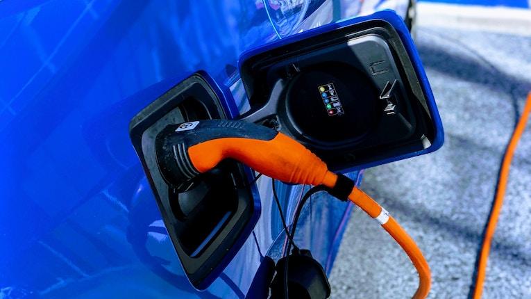 Veículos elétricos só são opção nas grandes cidades