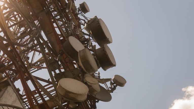 Venda de espetro de 5G em França rende quase três mil milhões