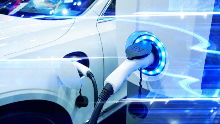 Veículos elétricos podem reduzir emissões de CO2 em 3,9 milhões de toneladas por dia