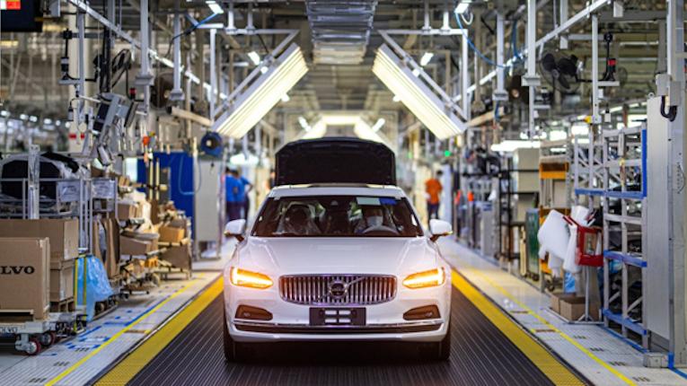 Volvo Cars entra parceria para a utilização de aço sem recurso a combustíveis fósseis