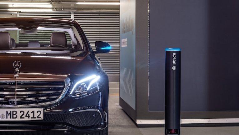 Bosch e Daimler implementam sistema de parqueamento autónomo