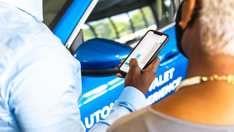 Ford, Bedrock e Bosch desenvolvem projeto para estacionamento autónomo